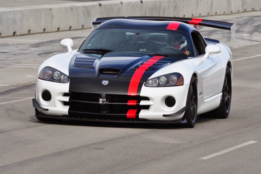 srt viper acr 2014 car prices features wallpapers. Black Bedroom Furniture Sets. Home Design Ideas