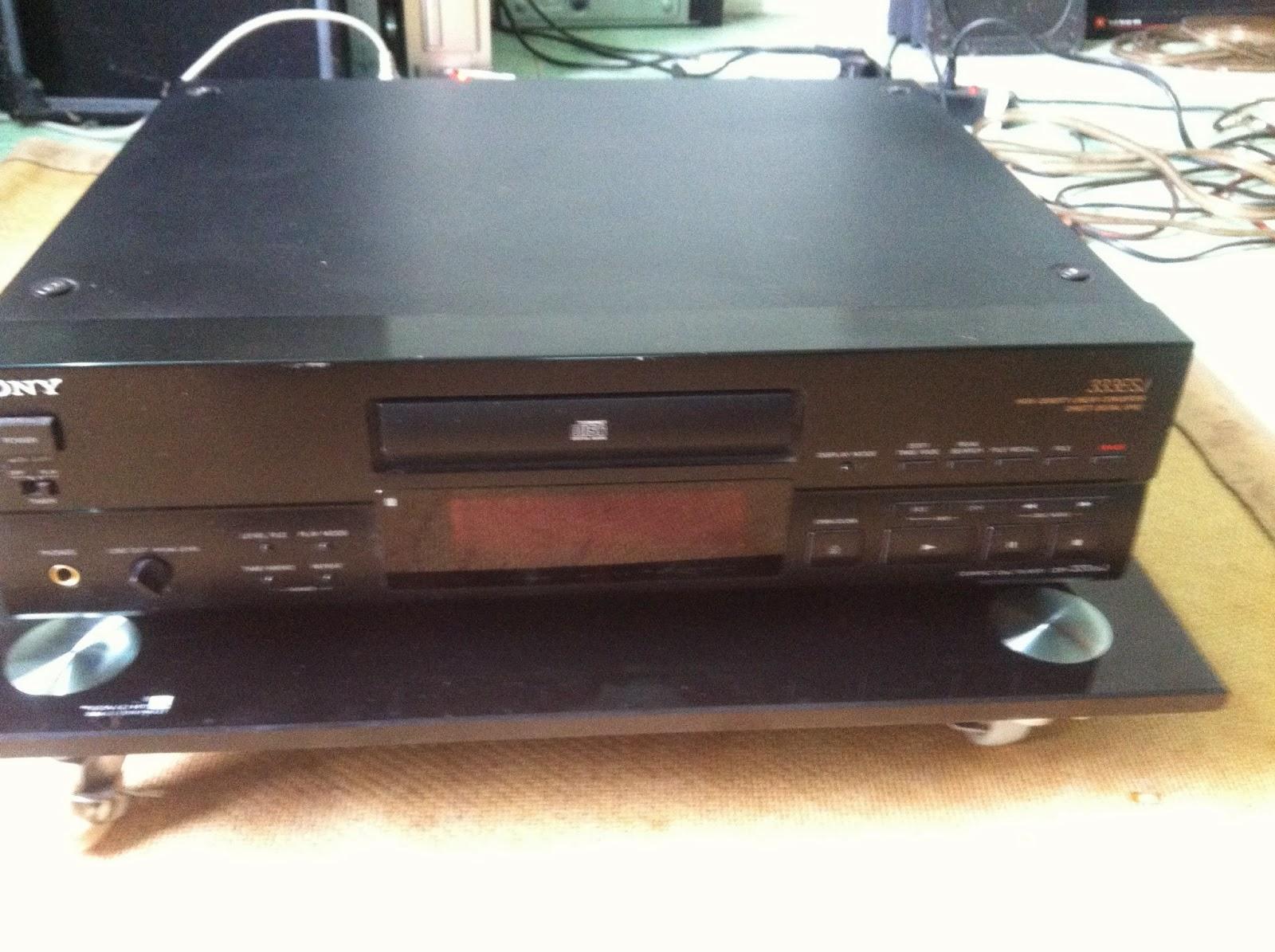 Mặt trước đầu CD - Sony 333ESJ