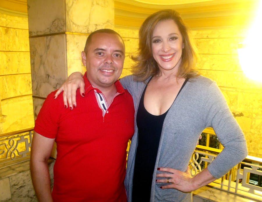 Com a atriz Cláudia Raia