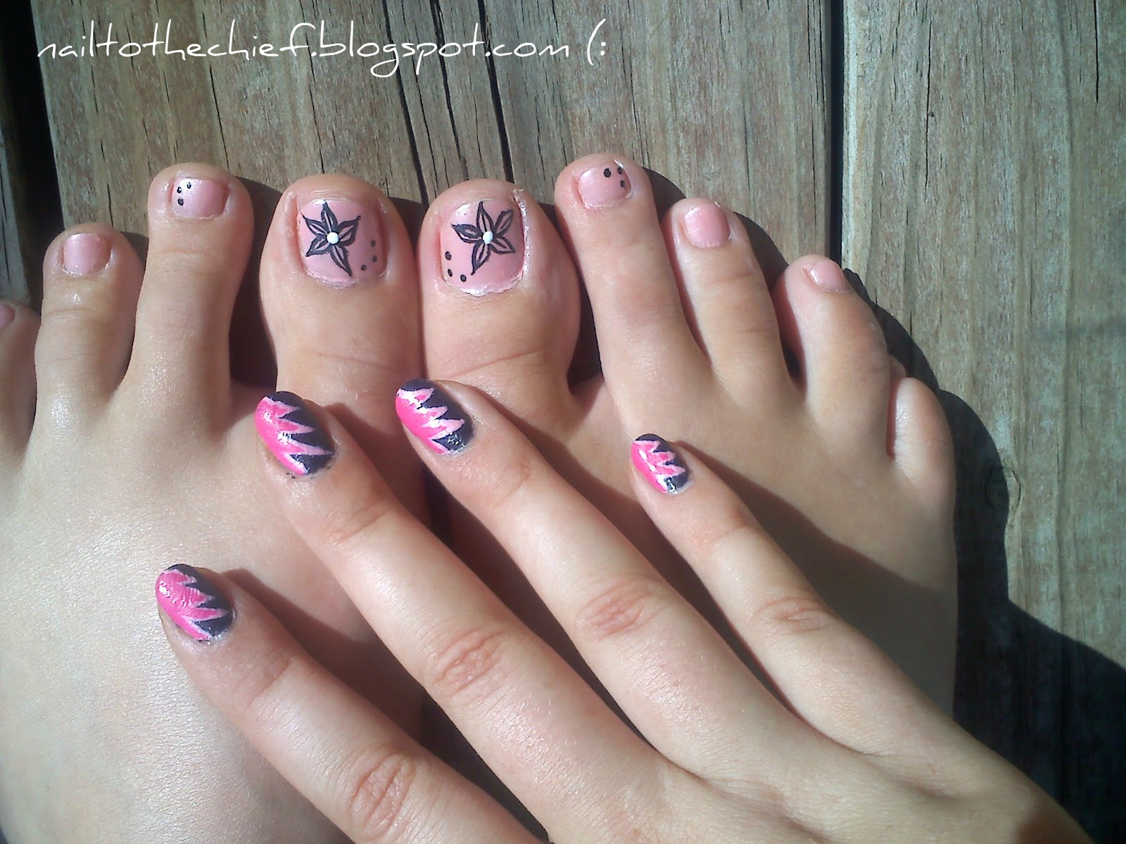 Starfish Toe Nail Design