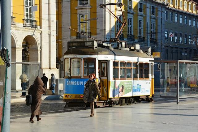 Praça do Comércio, Lisbon Tram