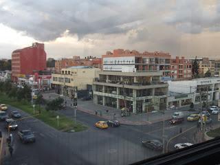 arriendo apartamento amoblado cerca a Unicentro Bogota