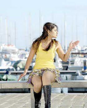 Ileana Dcruz Hot Pictures In Short Skirt