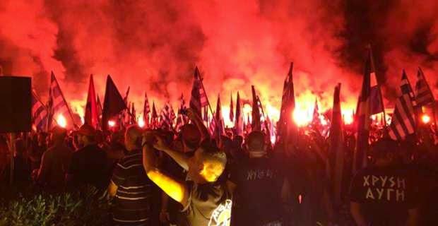 Τσόμσκυ: Όσοι χτυπούν τον ΣΥΡΙΖΑ φέρνουν τη Χρυσή Αυγή. Η δήλωση