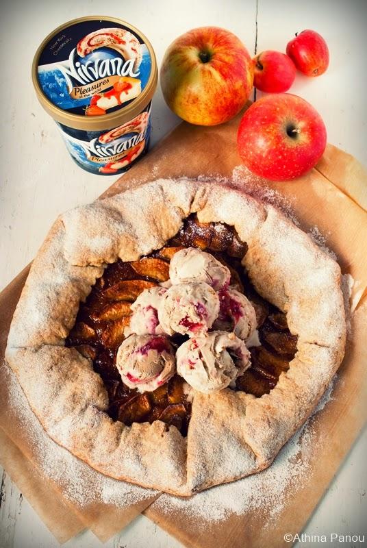Rustic Μηλόπιτα (galette) με παγωτό NIRVANA New York Cheesecake!