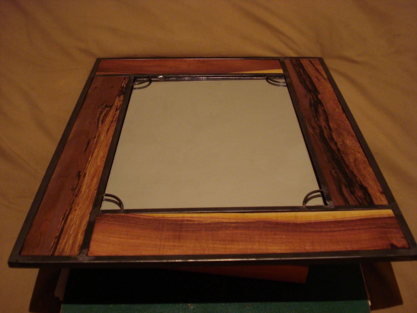 Hefesto espejo mediano con marco de madera - Espejos marco madera ...