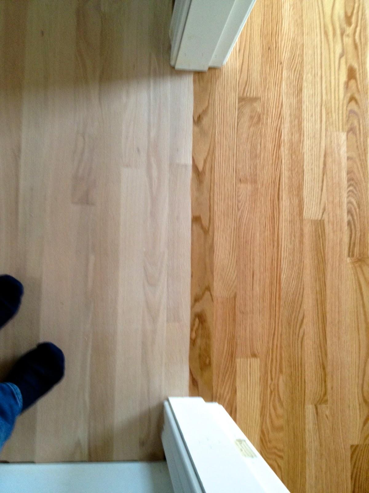 how to put polyurethane on wood