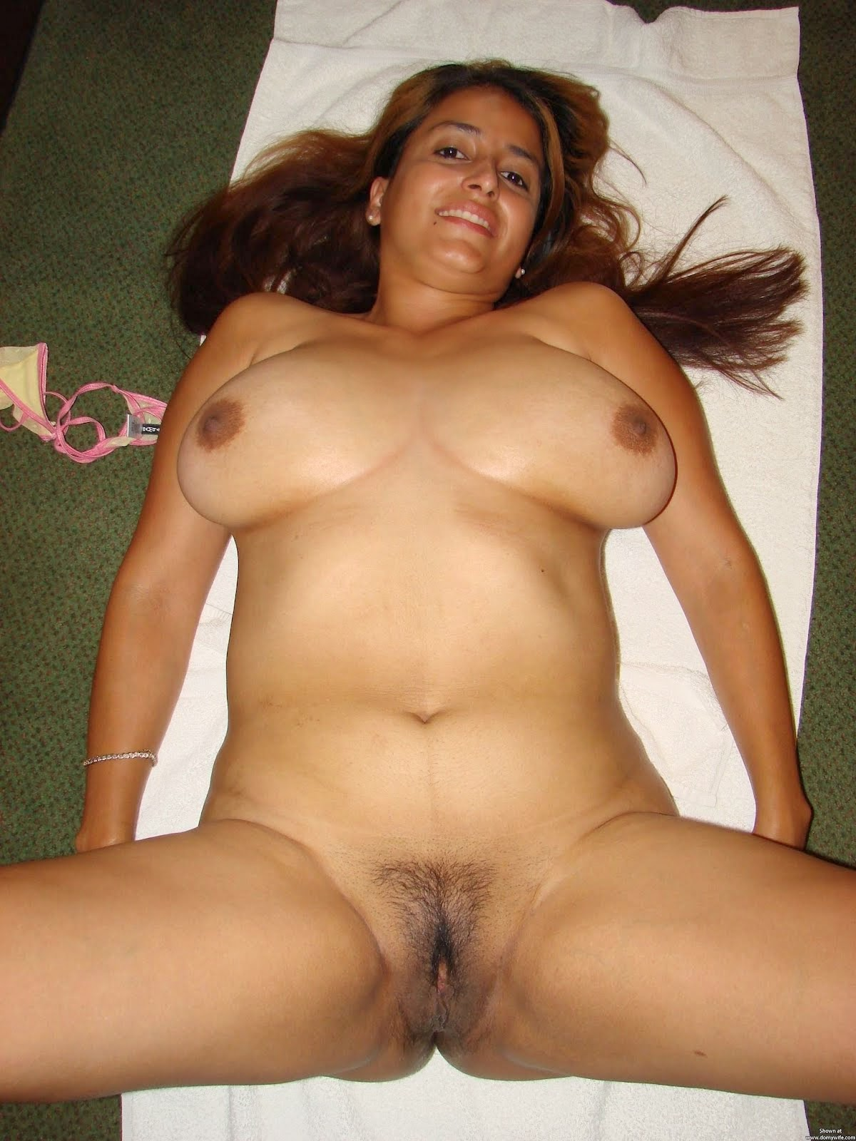 Hot Desi Nude AUNTIES