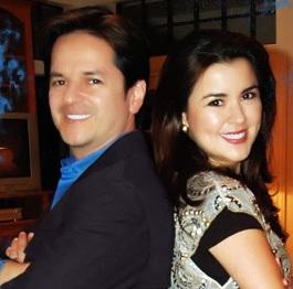 Danilo Montero posando con su esposa Gloriana Díaz