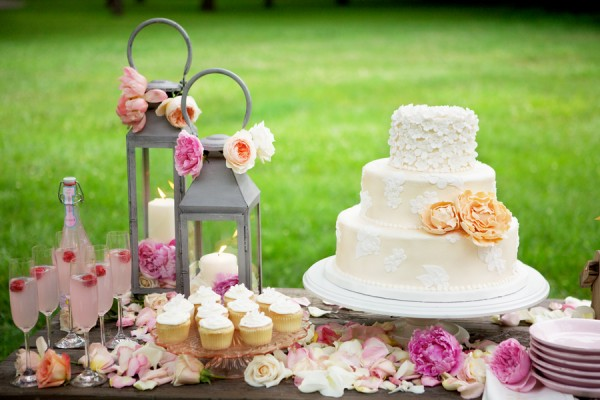Cake Table Decoration For Engagement : beyond the aisle: cake table ideas, part II