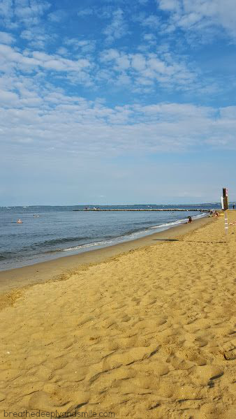 Sandy-Point-State-Park-beach