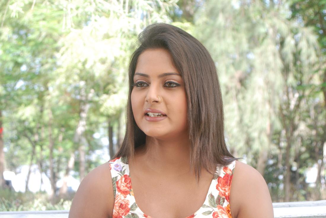 Download Bhojpuri Actress Anjana Singh HD Wallpapers - Latest Hot Pics, Images, Anjana Singh in Bikini