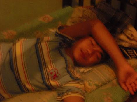 Tidur aja...biasolah selesai belajar ,ngantukkk...tidur nyok