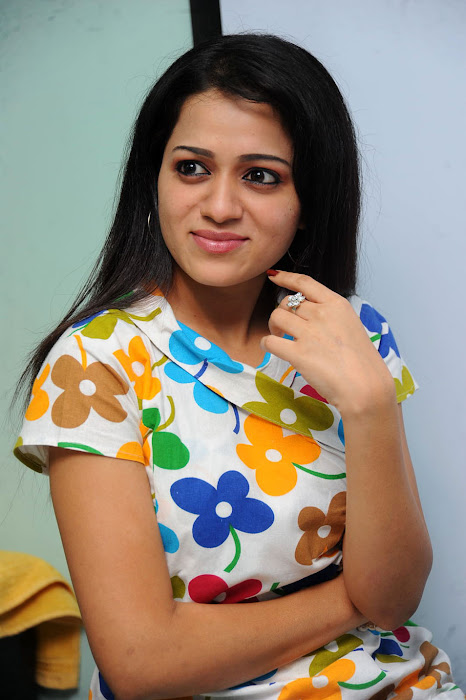 reshma at ee rojullo movie pressmeet unseen pics