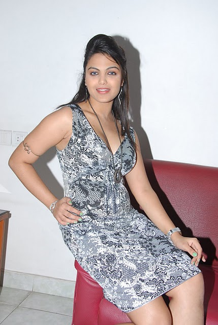 Actress Priyanka Tiwari Hot Image Latest Photo Stills gallery pictures
