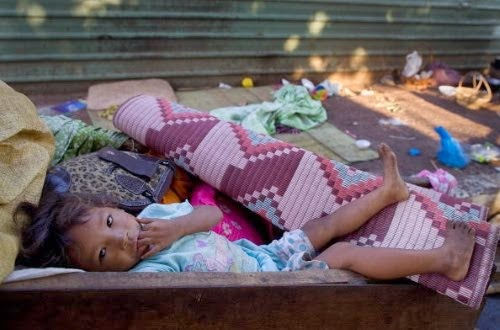 poor child in cambodia