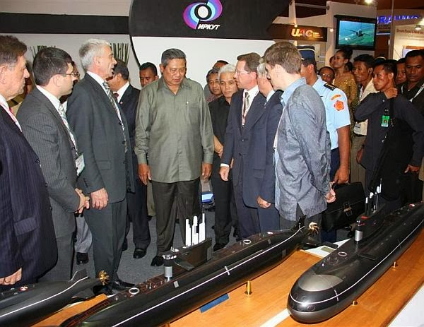 Indonesia Buru Kapal Selam Kilo Class, Amur dan Rudal Club S