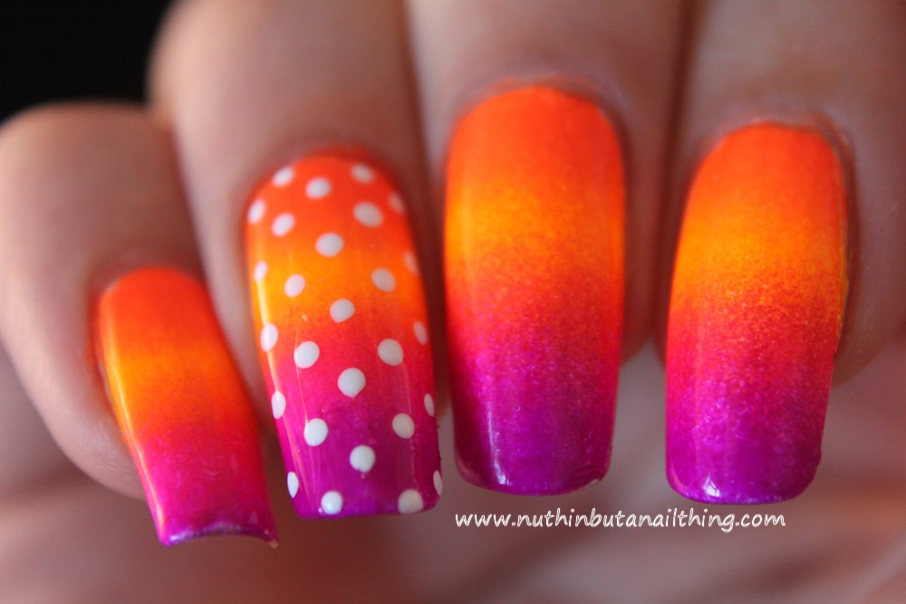 Bright gradient nail art