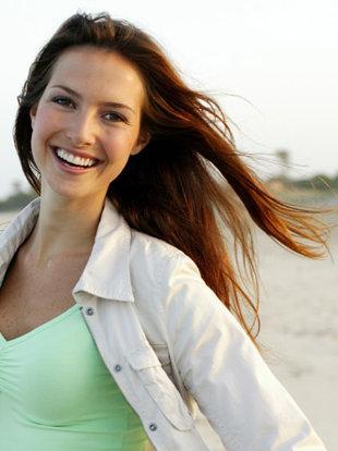 summer-proof-your-hair-lgn - كيف تعتنى بشعرك فى حرارة الصيف - امرأة سعيدة ناجحة
