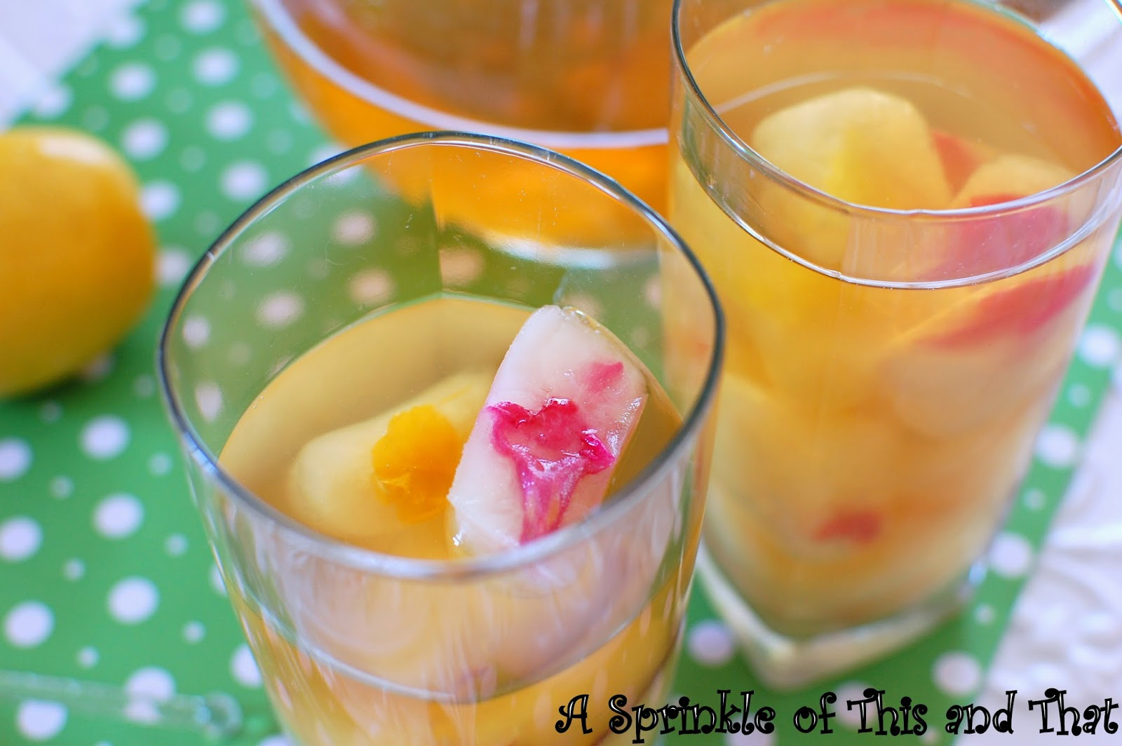 ... Sprinkle of This and That: Lemon Ginger Iced Tea with Flower Ice Cubes