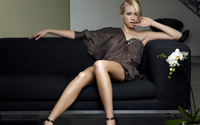 Naomi Watts Hot Wallpaper HD