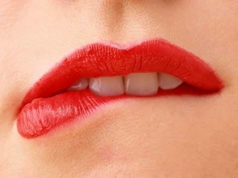 Cara Memerahkan Bibir Yang Menghitam Bagi Perokok