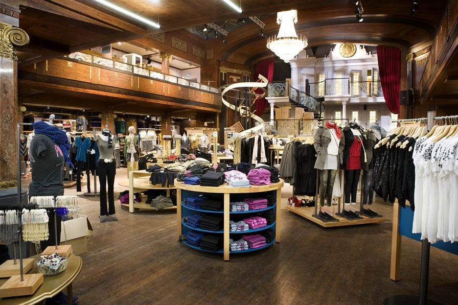 Imagine These Retail Interior Design Urban Outfitters Koncept