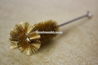rosebud tip twisted wire brush. brass wire rosebud tip brush