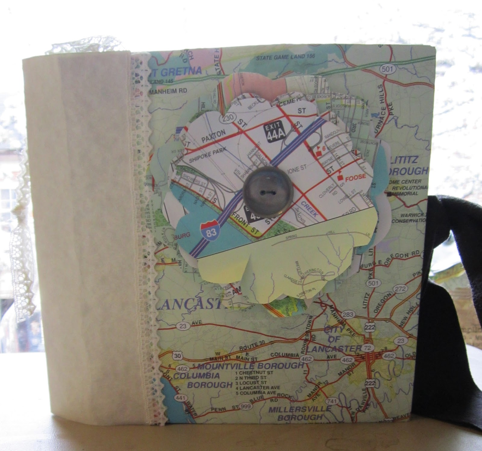 Paper bag scrapbook - This Paper Bag Scrapbook Was Made Using Old Maps For The Decoration To Make A Fun Travel Journal Scrapbook