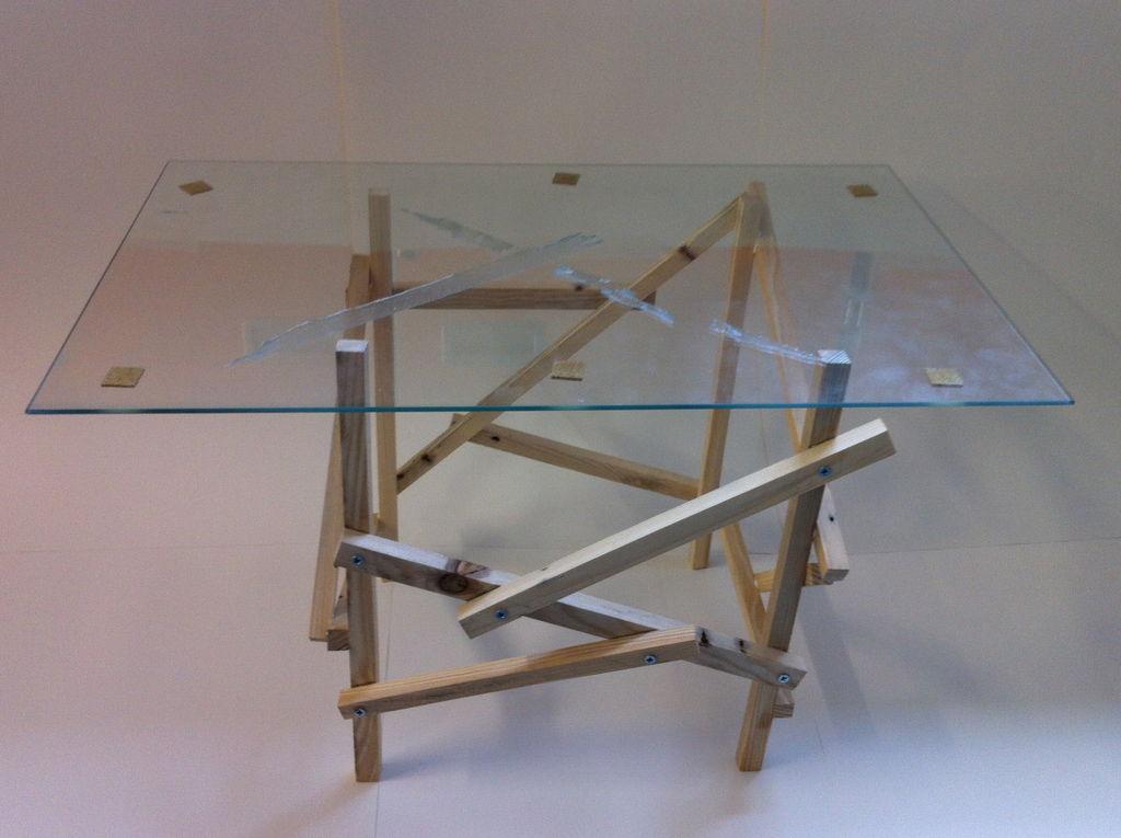 Mesa de dise o construida con un pal - Mesas palets madera ...