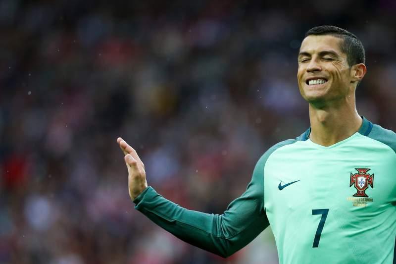 ¡Insólito! Un club irlandés de segunda división quiere a Cristiano