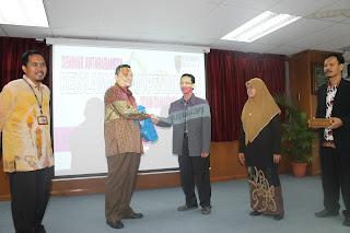 Seminar Internasional Keislaman dan Kependidikan bersama Akademi Pengajian Islam Universiti Malaya (APIUM) Kuala Lumpur, medio Juni 2013