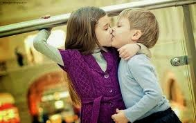 kissing pics boy and girl