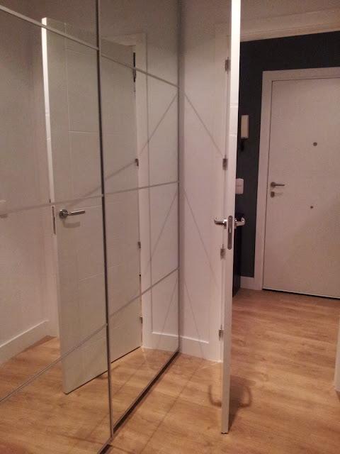 Un armario para organizar la ropa de casa con pax mi - Organizar armario ikea ...