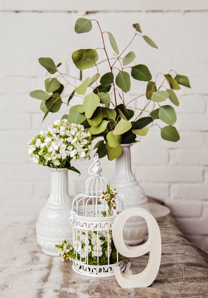 estas campanas de cristal nos parecen una preciosidad y nuestras macetas de flores preservadas quedan que ni pintadas