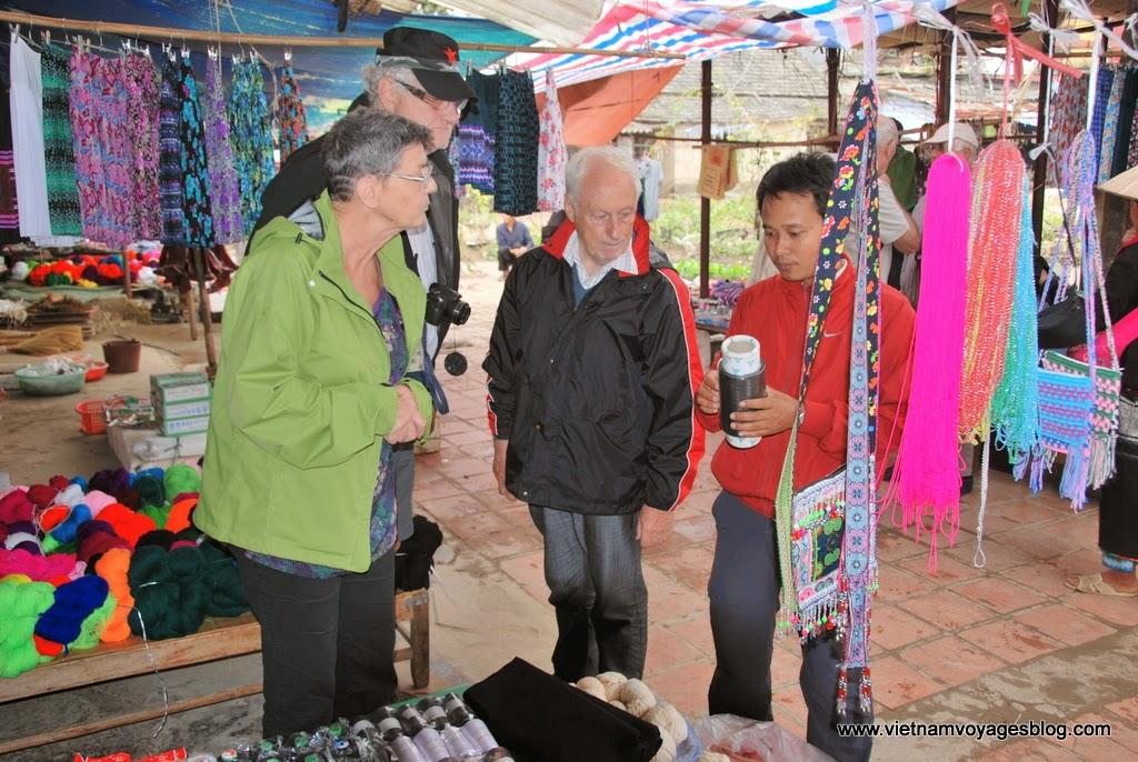 Tham quan chợ Bình Lư ở Sapa