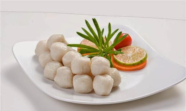 Vietnamese Fish Balls with Vegetable Soup ( Canh Rau với Cá Viên)1