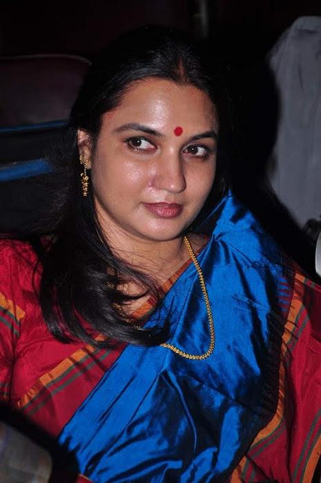 suganya @ bharathanatya arangetram hot  images