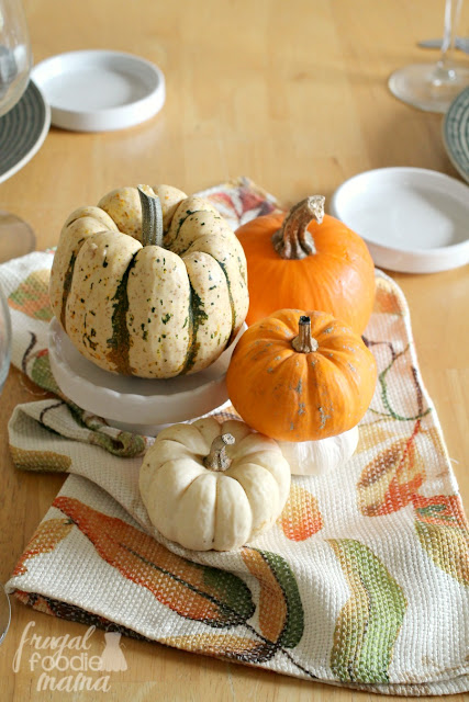 Create a simple fall centerpiece in just minutes! Perfect for a Tuscan inspired Sunday dinner. #BertolliDinnerParty #spon