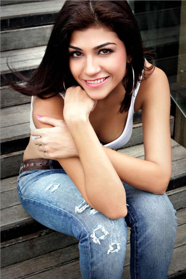 IPL Cricket Anchor Archana Vijaya shoots for FHM ~ Bolly