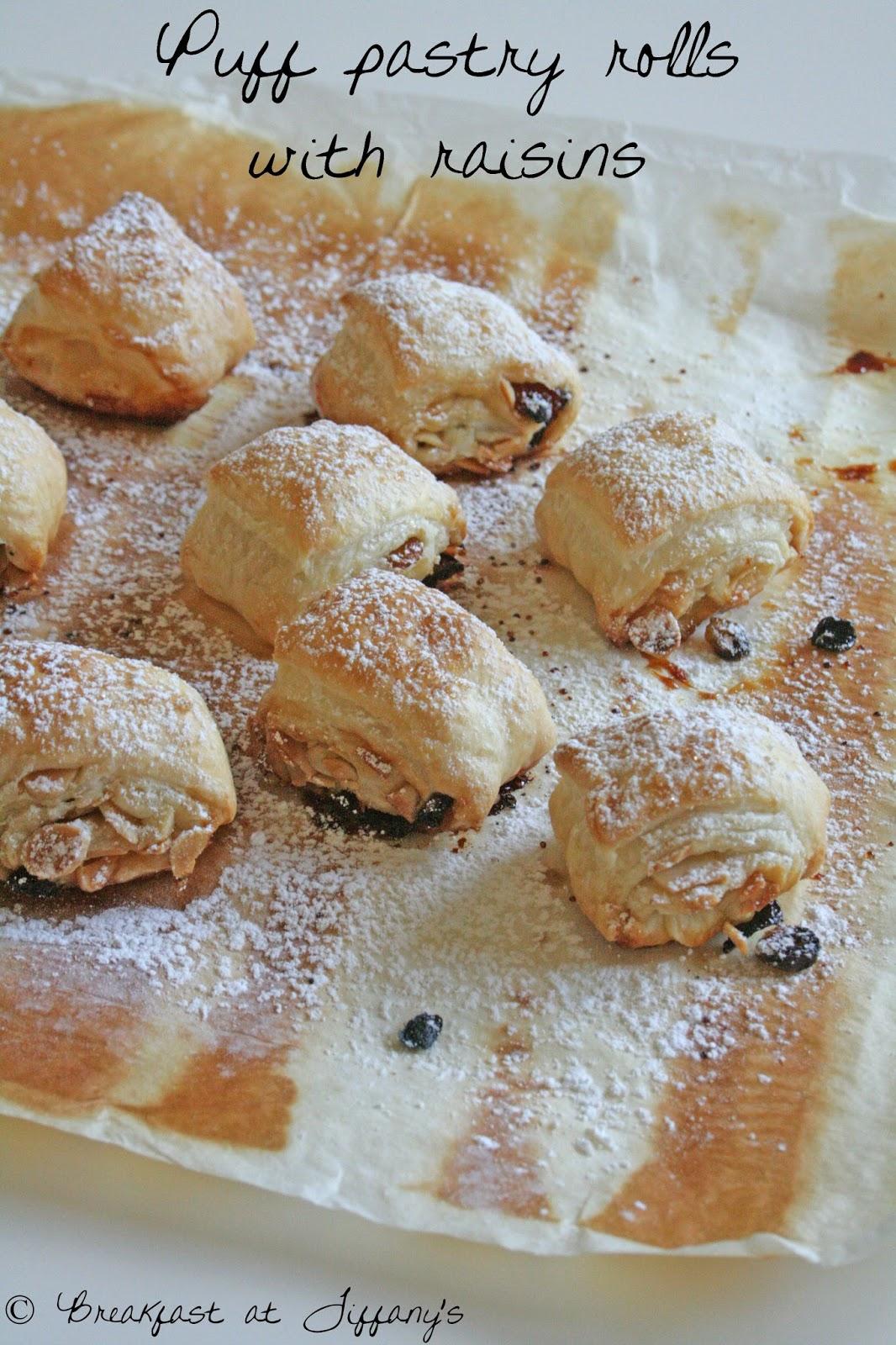girelle di pasta sfoglia con uvetta / puff pastry rolls with raisins