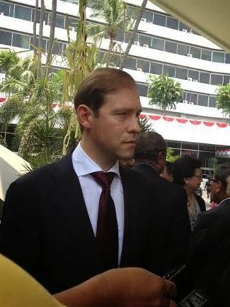 Denis Maturov, Menteri Perdagangan Rusia, mengatakan bahwa Presiden Rusia berencana menemui Presiden Indonesia Jokowi dalam waktu dekat.