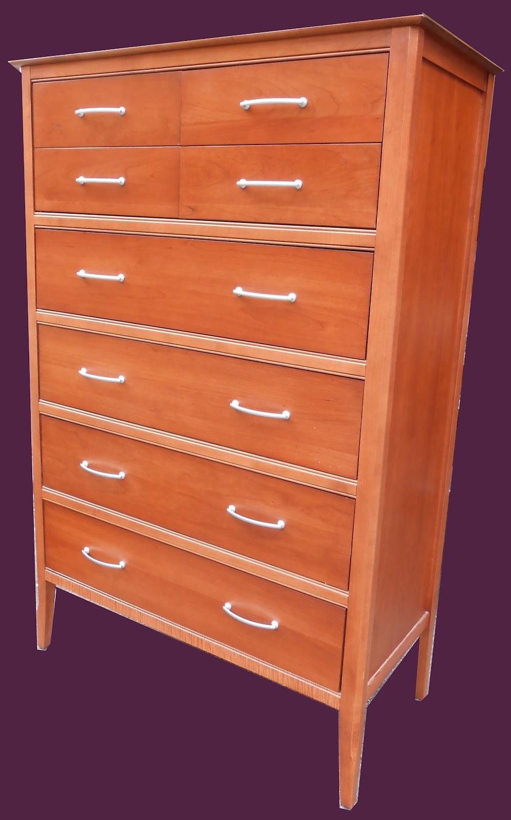uhuru furniture collectibles canadian solid wood bedroom set sold. Black Bedroom Furniture Sets. Home Design Ideas