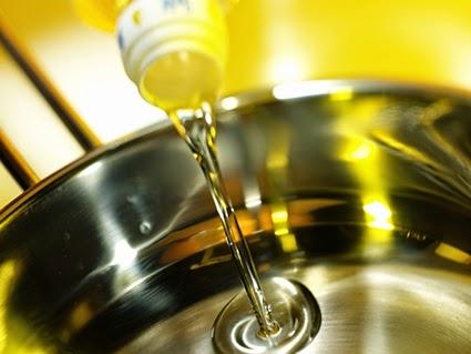 افضل انواع زيت الزيتون للاكل-زيت الزيتون النقي