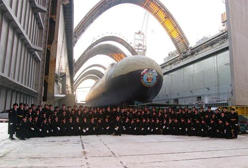"""Deu no Informante: Submarino estratégico russo """"Alexander Nevskiy"""" está pronto para testes em mar"""