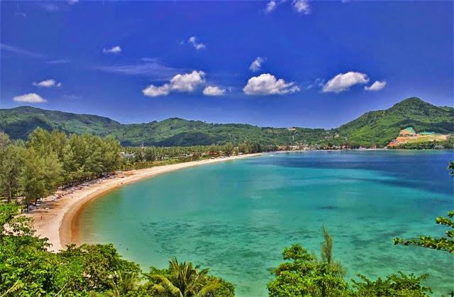شاطئ كامالا بالقرب من بوكيت
