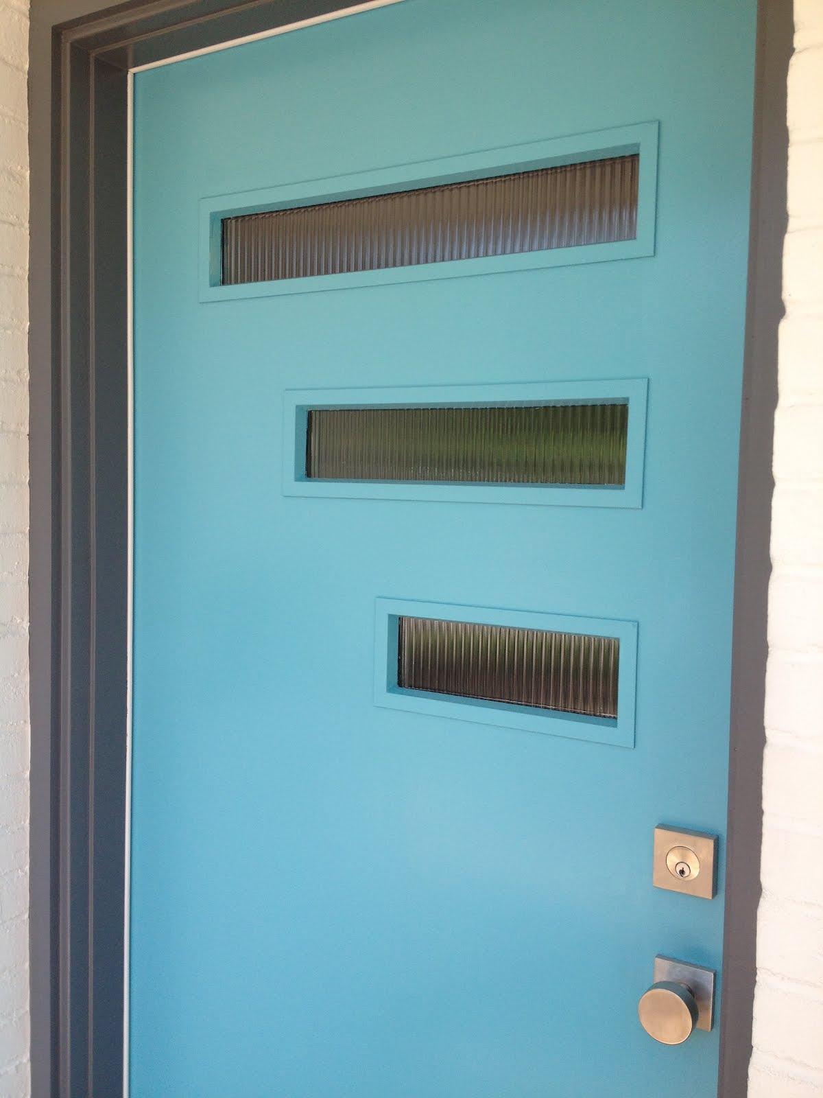 Mad for mid century our mid century modern door for Modern front door colors