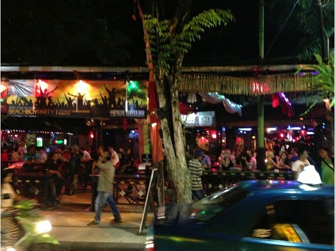 Jalan Legian Transforms into 1 large political party house Beaches in Bali: Jalan Legian Kuta Bali (Night View)