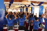 Chiến lược dẫn đầu trong kinh doanh, Internet bootcamp 2012
