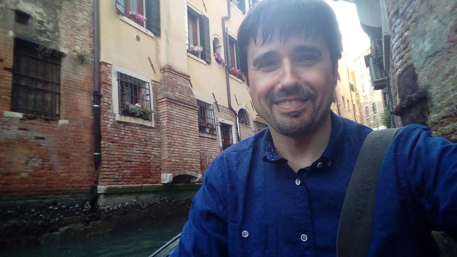 En Venecia, en góndola